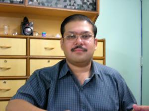 Dr. Maneesh RAI
