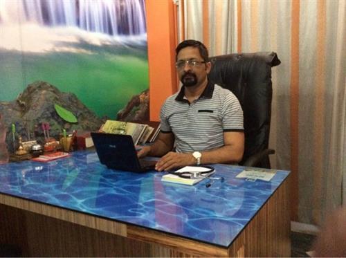 Dr Deepesh  Yadav